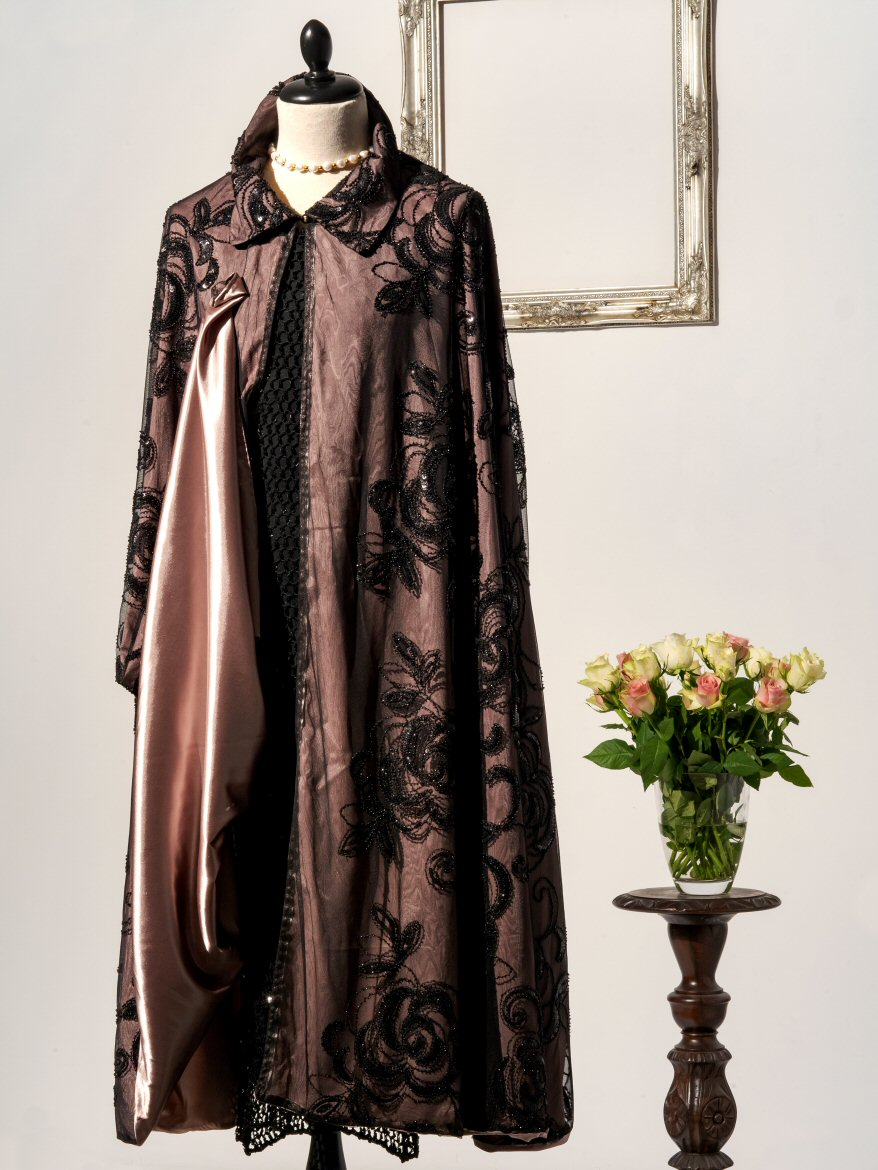 Nobility Nigh Woman Cape